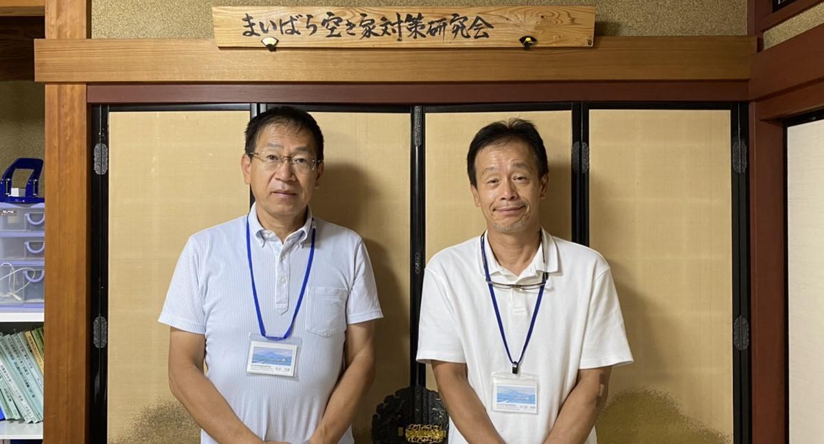 職場の先輩 丸本さん(左)と伊夫貴さん(右)