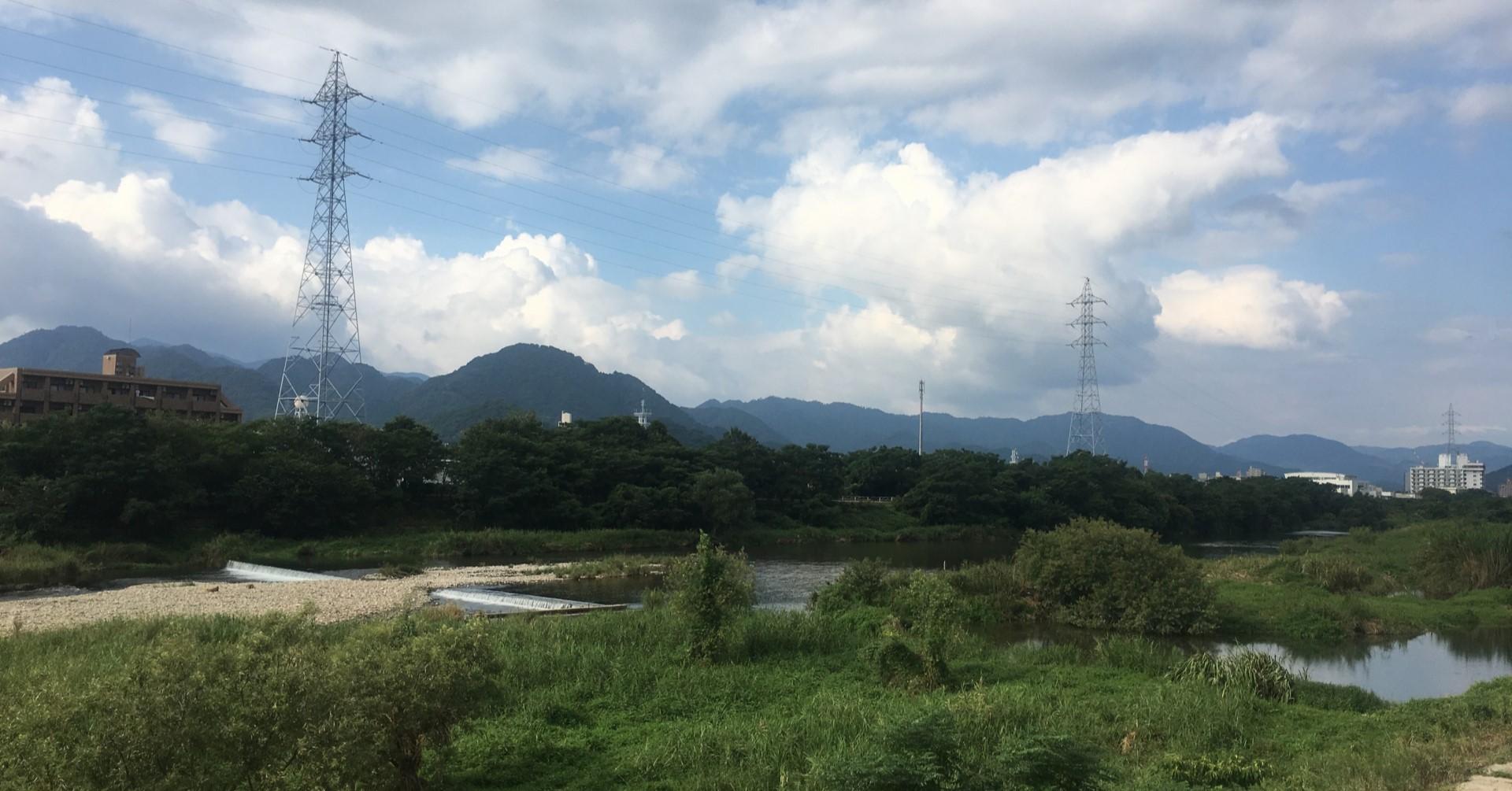 会社のそばには瀬戸内海へ続く椹野川があります。(photoAC出典:misakingotoさん)