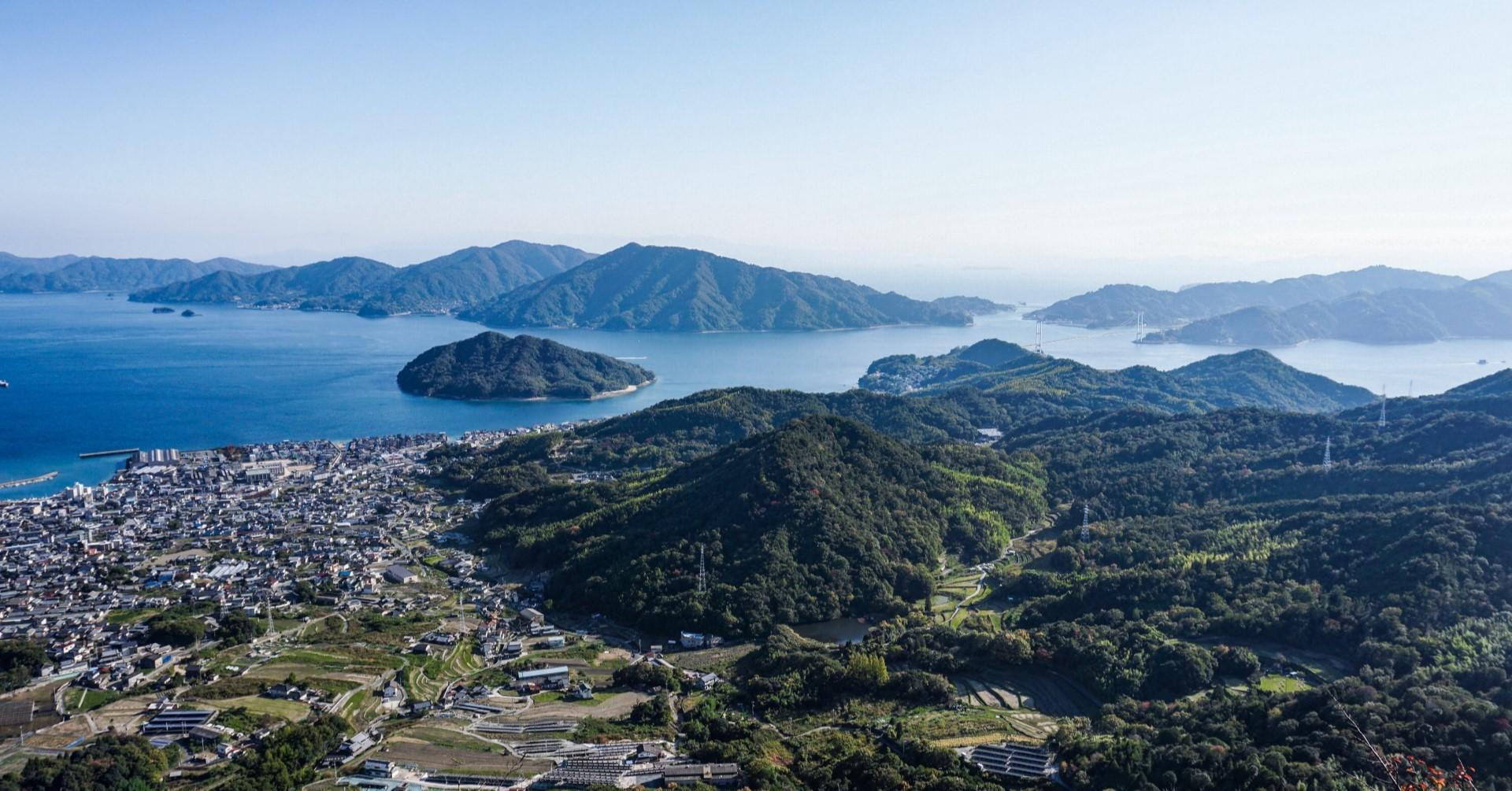呉市内の眺望(photoAC出典:4ChaNさん)