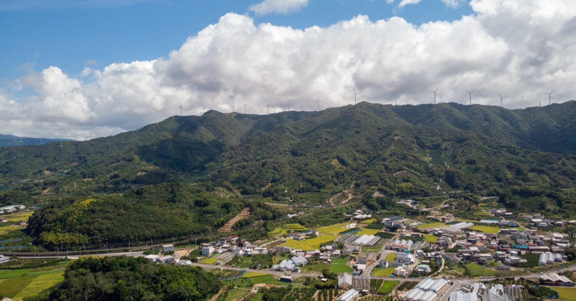 有田市 空撮写真(photoAC出典:旅先の写真家さん)