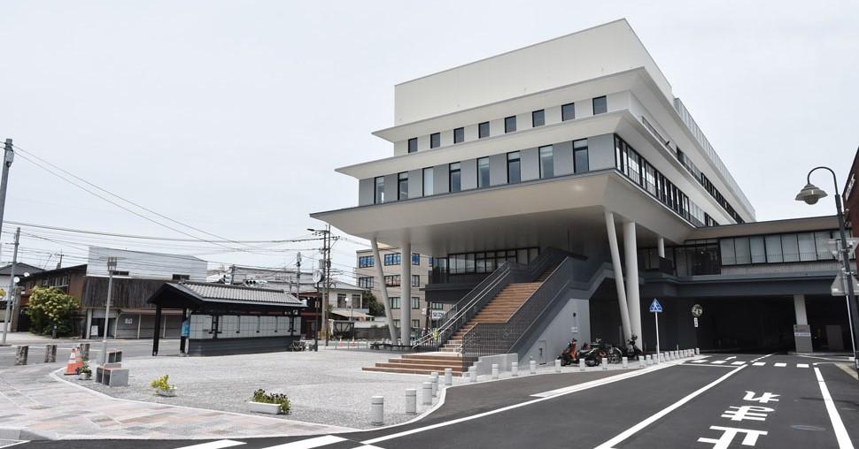 令和2年4月に完成した新庁舎