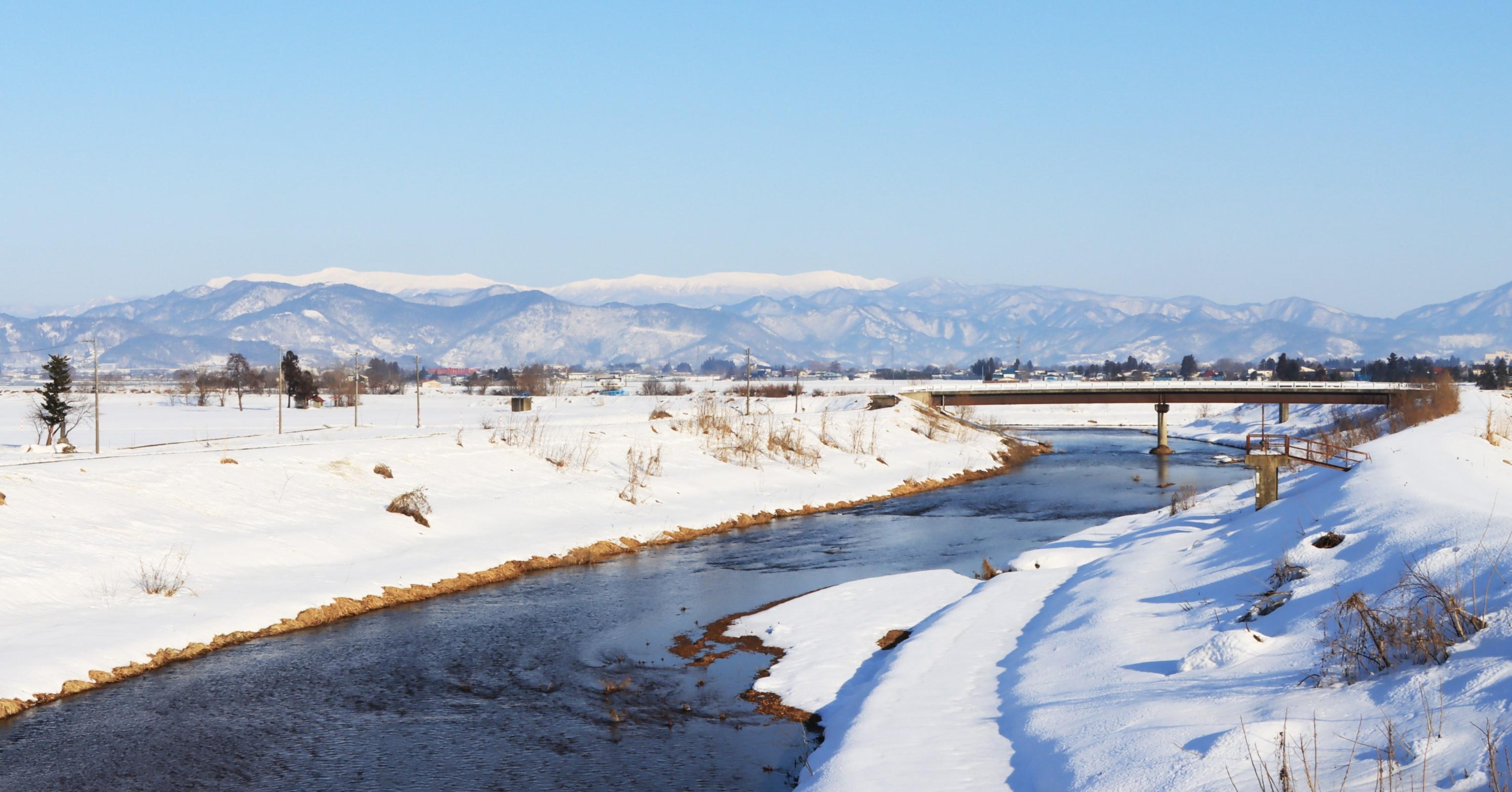 冬の川西町の風景