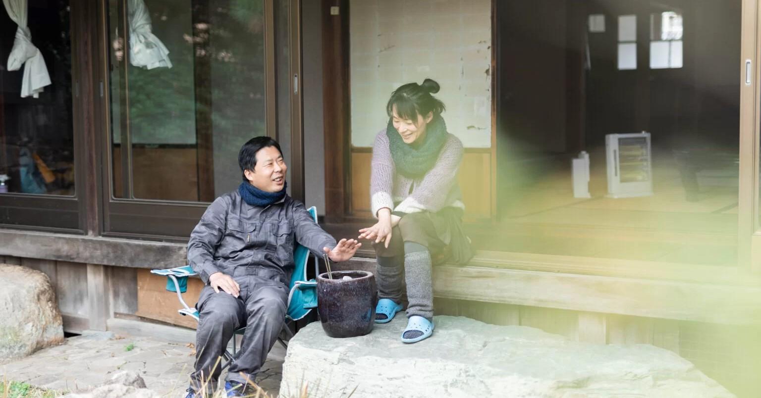 和歌山市出身の愛さんと、大阪市出身の忠昭さん。