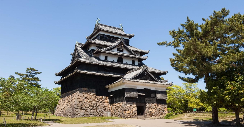 城下町のシンボル国宝松江城は国内に現存する12天守の一つ