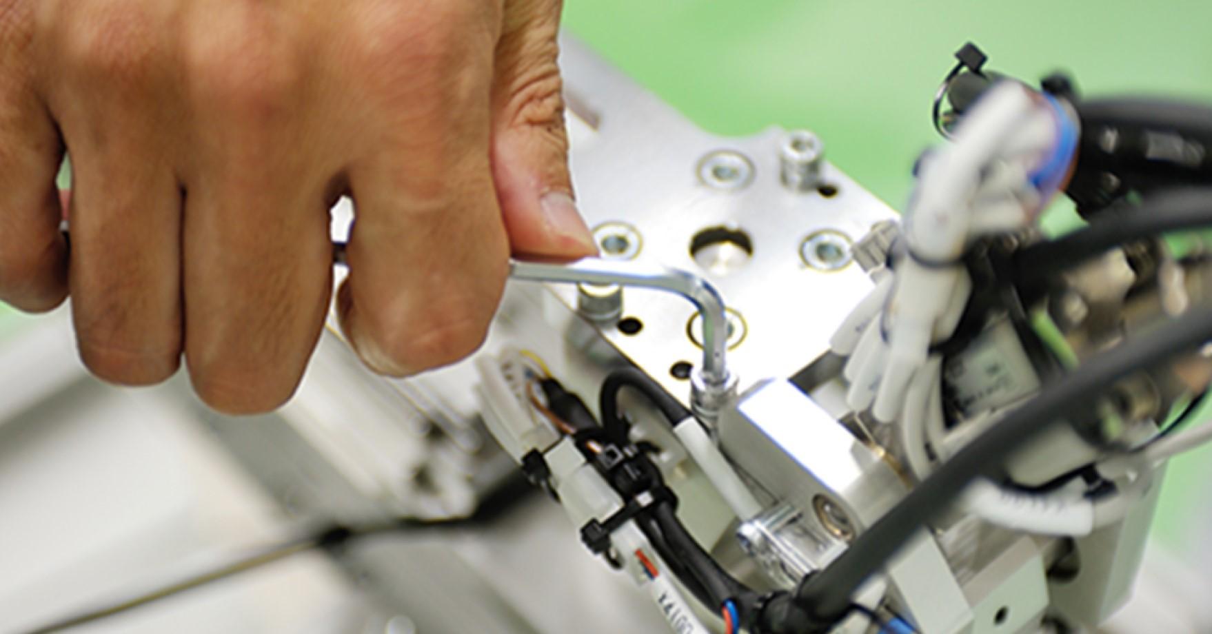 「ダントツに良いものを速く創る」をモットーに、日本の製造業を支える制御設計士募集